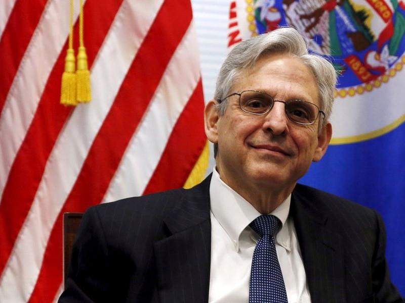 Biden confirma nominación de juez Merrick Garland como fiscal general