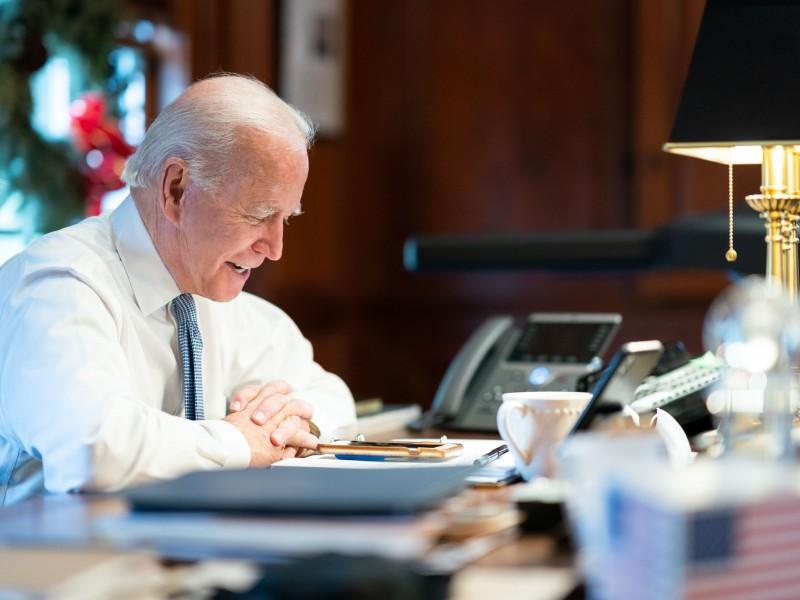 Biden revertirá decisiones de Trump en primer día de gobierno