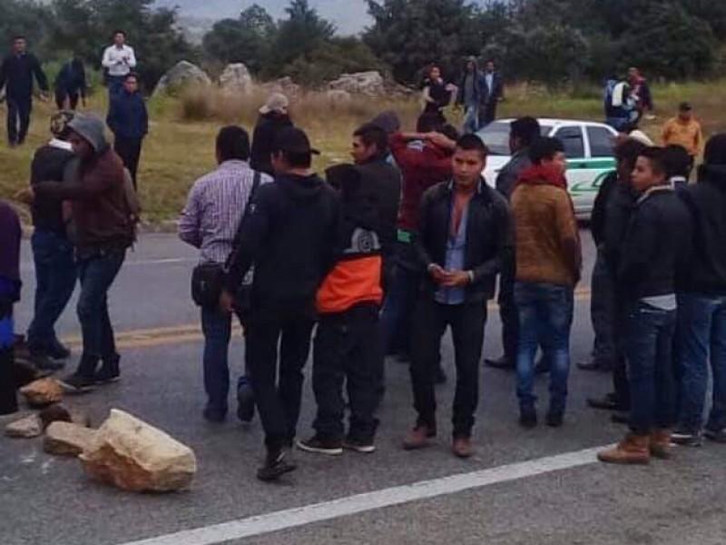 Bloqueadas en entradas y salidas en San Cristóbal