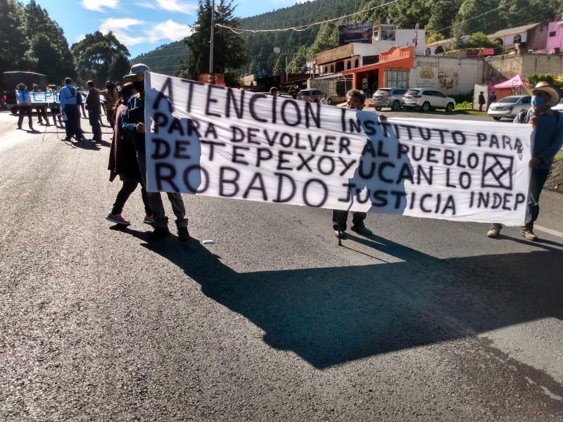 Bloquean carretera México-Toluca por obras del Tren Interurbano