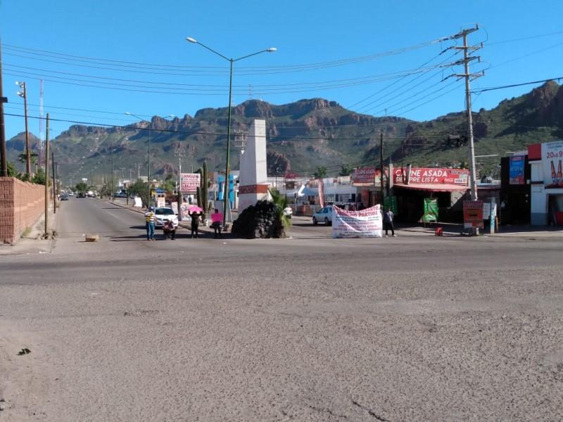 Bloquean Cetemistas norte de Guaymas