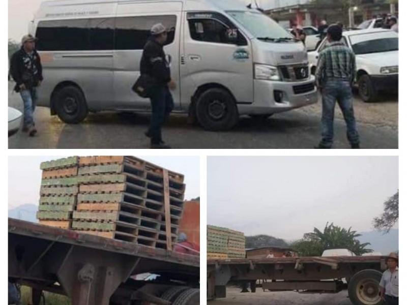 Bloquean tramos carreteros en Ocosingo, Chiapas
