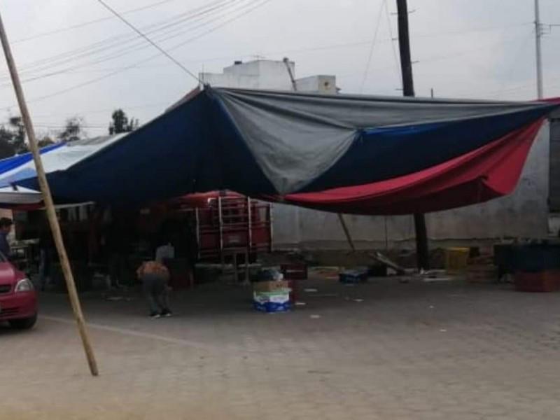 Bloquen autoridades el paso de camioneros en la región