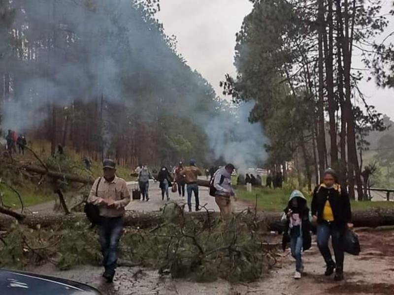 Bloqueo carretero en Mitzitón continúa derivado de conflictos religiosos