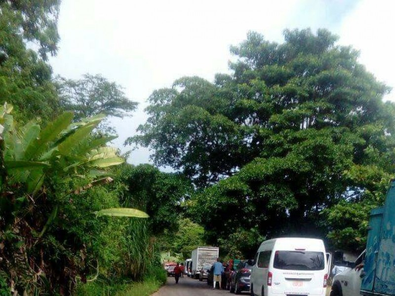 Bloqueo carretero en Palenque.