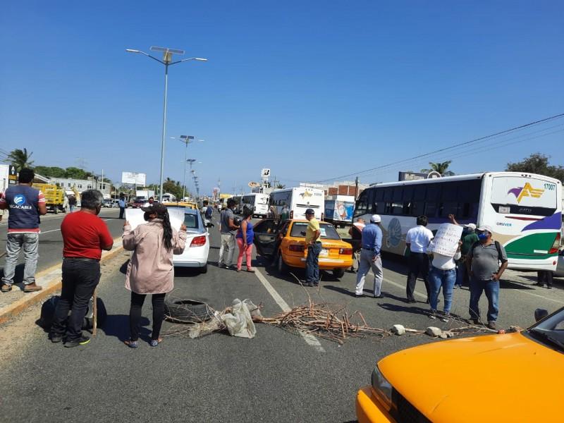 Bloqueo carretero: Trabajadores de Loguinext exigen su indemnización
