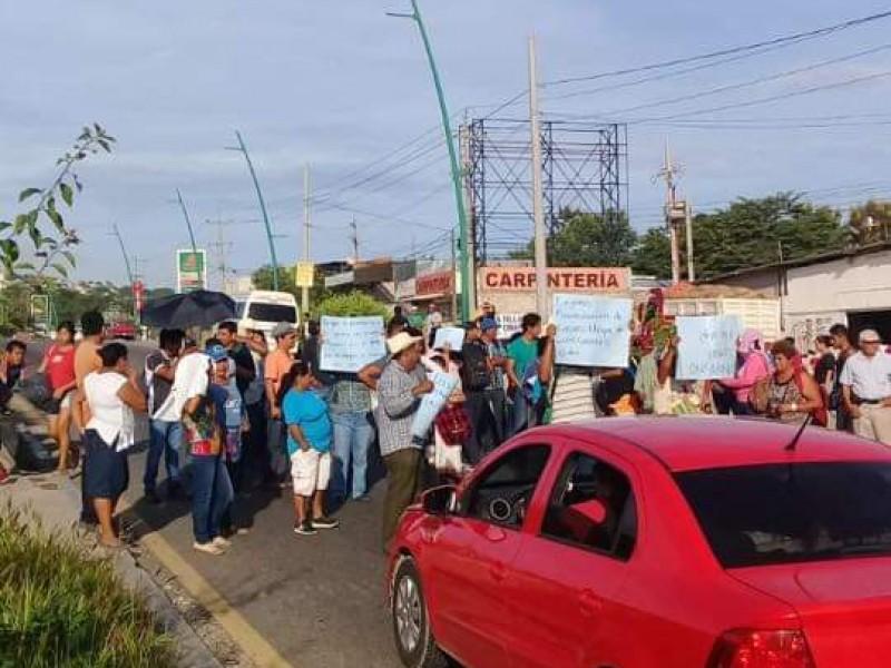 Bloqueo en carretero en Tuxtla -Chiapa