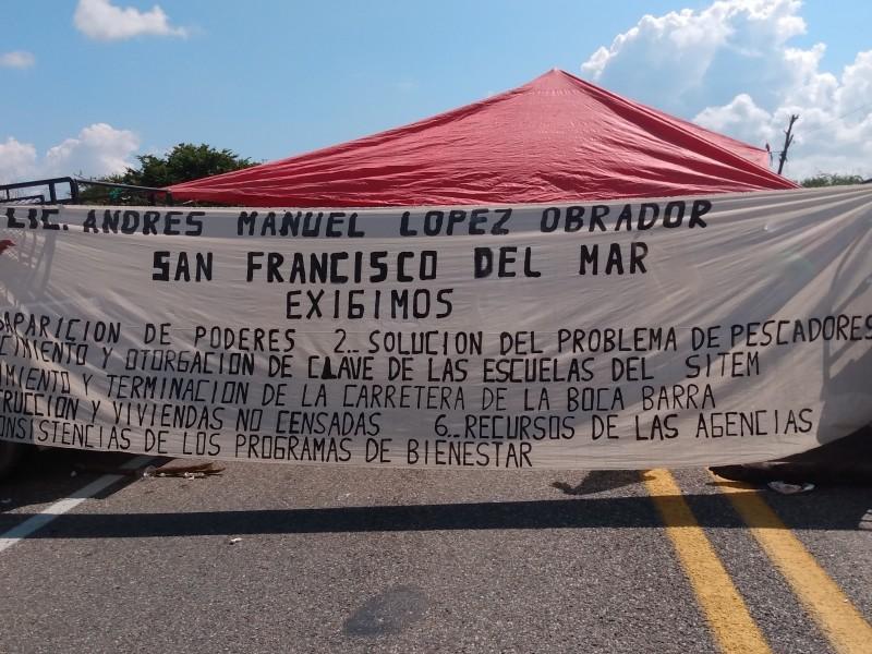 Bloqueo indefinido en tramo Niltepec-Zanatepec