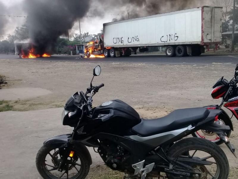 Bloqueos por violencia, paralizaron al transporte de carga
