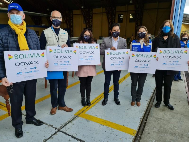 Bolivia recibe 228 mil dosis de AstraZeneca del mecanismo Covax