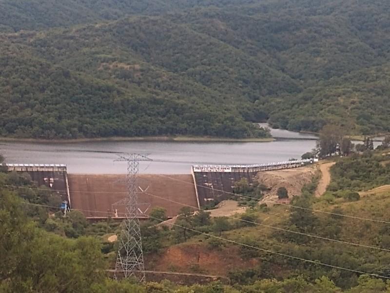 Bomberos localiza a menor ahogado en la presa Matías Romero