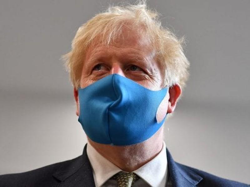 Boris Johnson entra en aislamiento por Covid-19