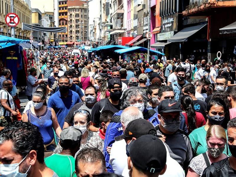 Brasil supera las 169.000 muertes relacionadas con la covid-19