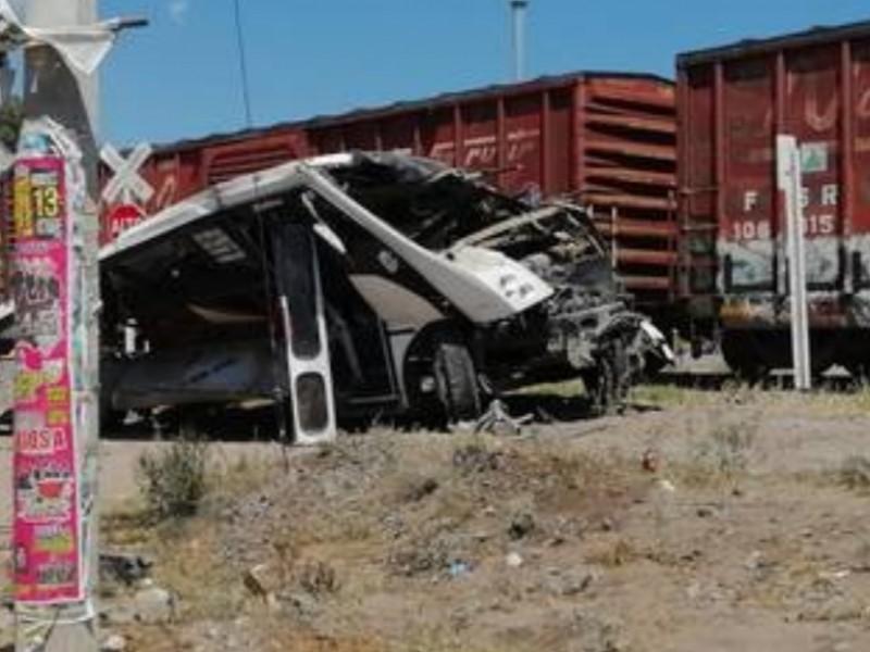 Brinda SESEQ atención a afectados por accidente SJR