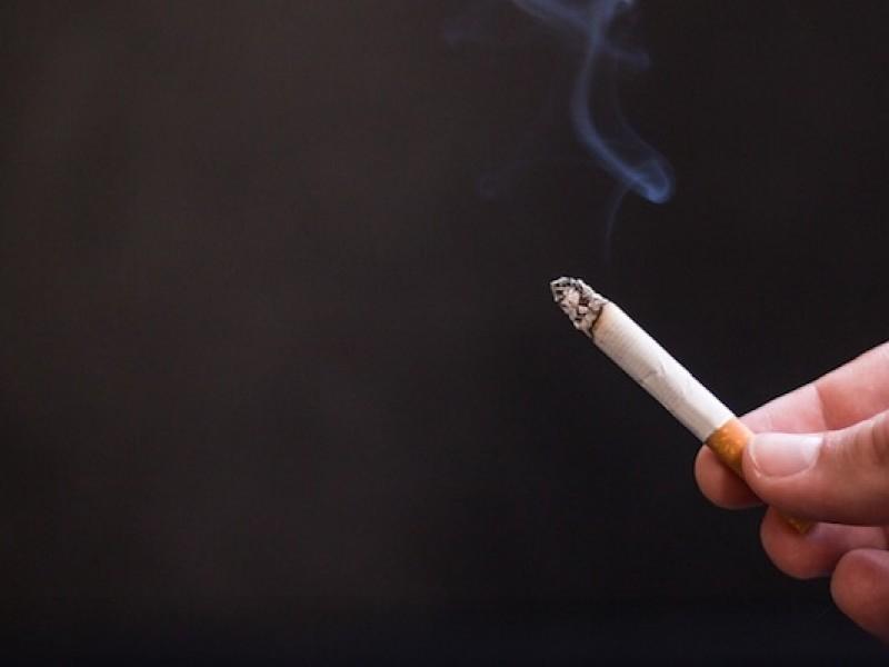 Brindan atención a fumadores