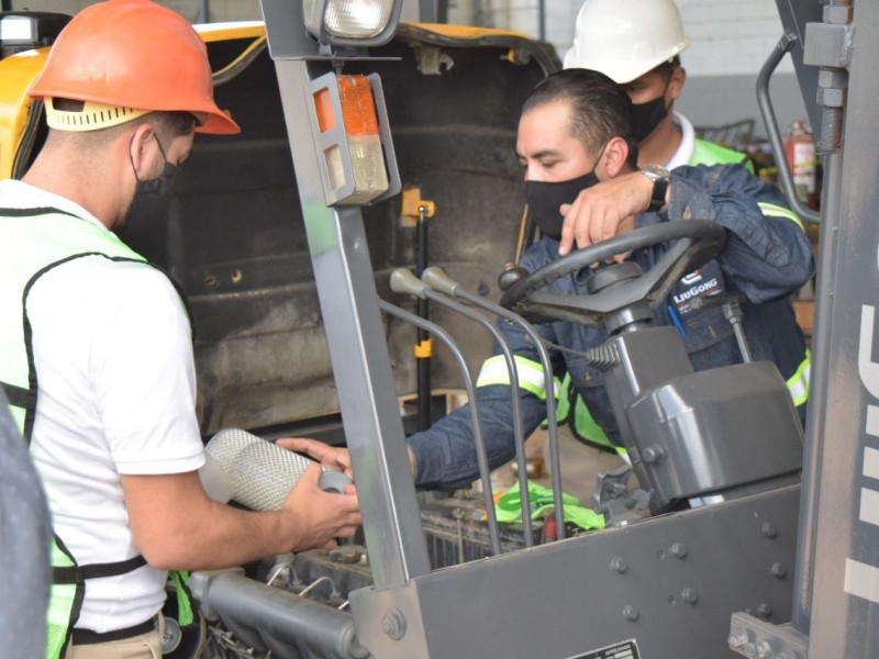 Brindan capacitación de uso de maquinaria pesada a jóvenes ITAMA