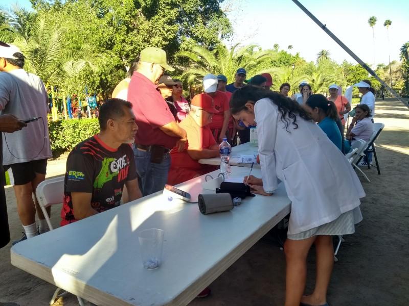 Brindan servicios de salud en el Parque Sinaloa