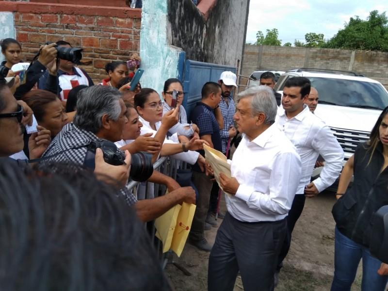 Promete López Obrador ayuda para Nayarit