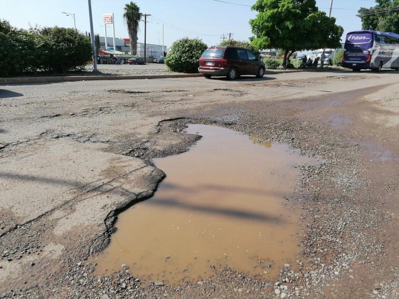 Bulevar Macario Gaxiola, un peligro para automovilistas
