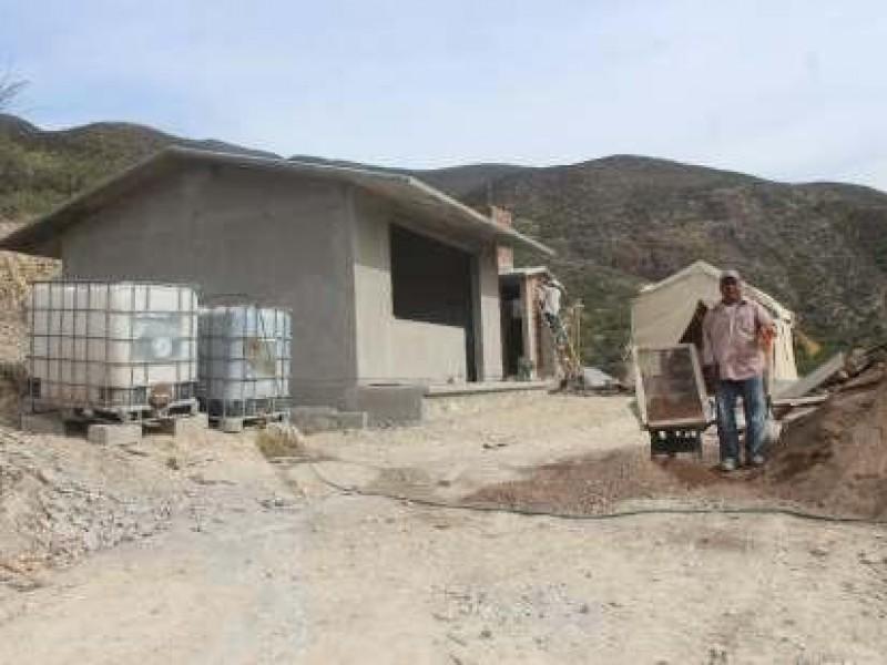 Buscan abatir la pobreza con obras de mejoramiento de vivienda