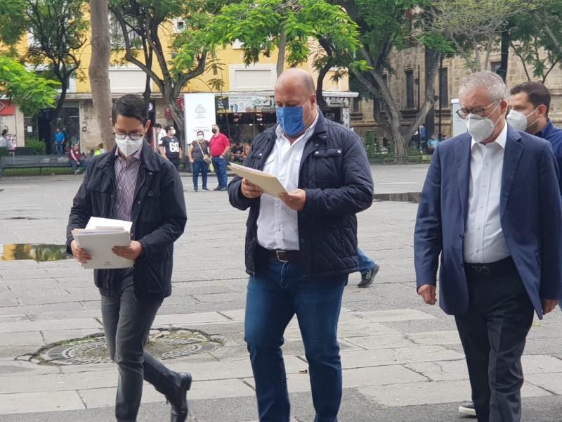 Busca Alfaro eliminar pensiones de oro