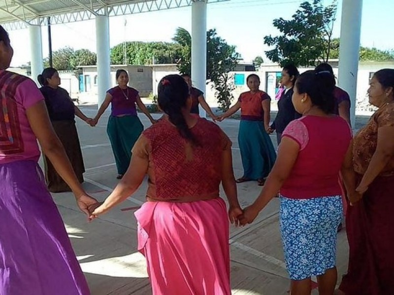 Busca empoderamiento de mujeres romper paradigmas: Eufrosina Cruz