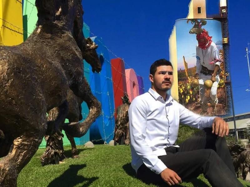 Busca plasmar el mural màs alto de Sonora