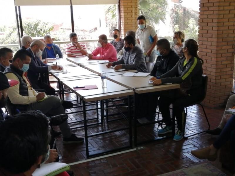 Buscan CNTE y Bedolla posibles soluciones para saldar pendientes
