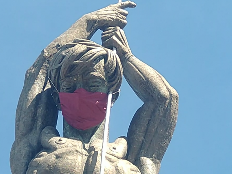 Buscan concientizar con uso de cubre bocas en monumento emblemático