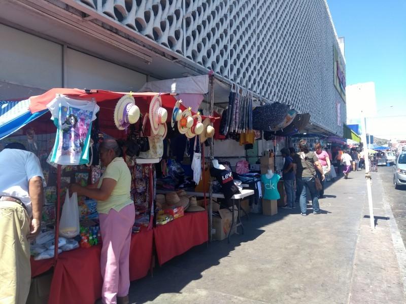 Buscan en comercio informal solución a problema de desempleo