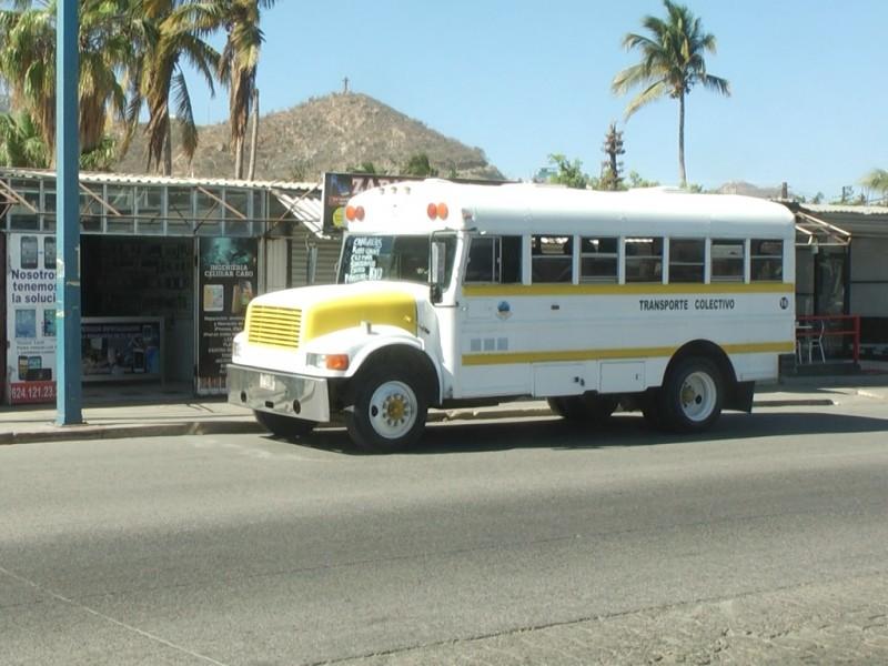 Buscan mejorar paraderos del transporte público