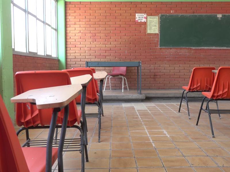 Buscan padrinos para 500 escuelas de Torreón
