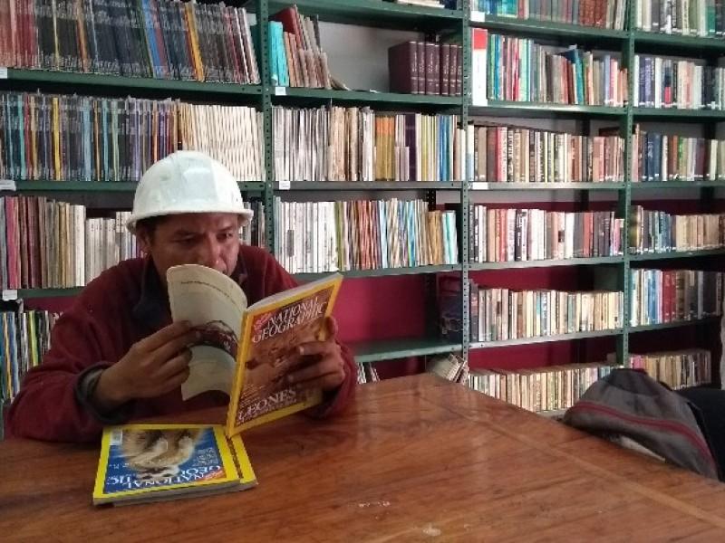 Buscan recuperar interés en la biblioteca del INAH