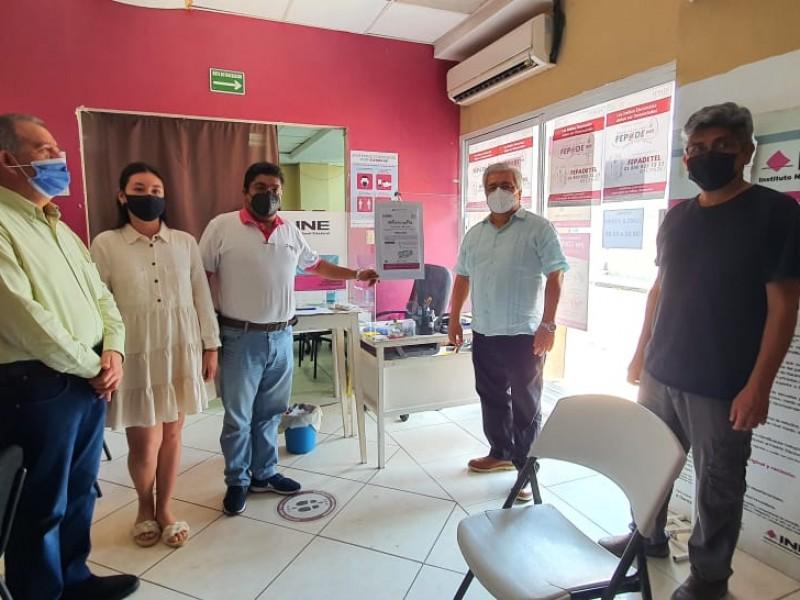 Buscan renovar más de 30 mil credenciales en Veracruz