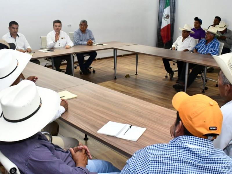 Buscan solución a conflicto agrario