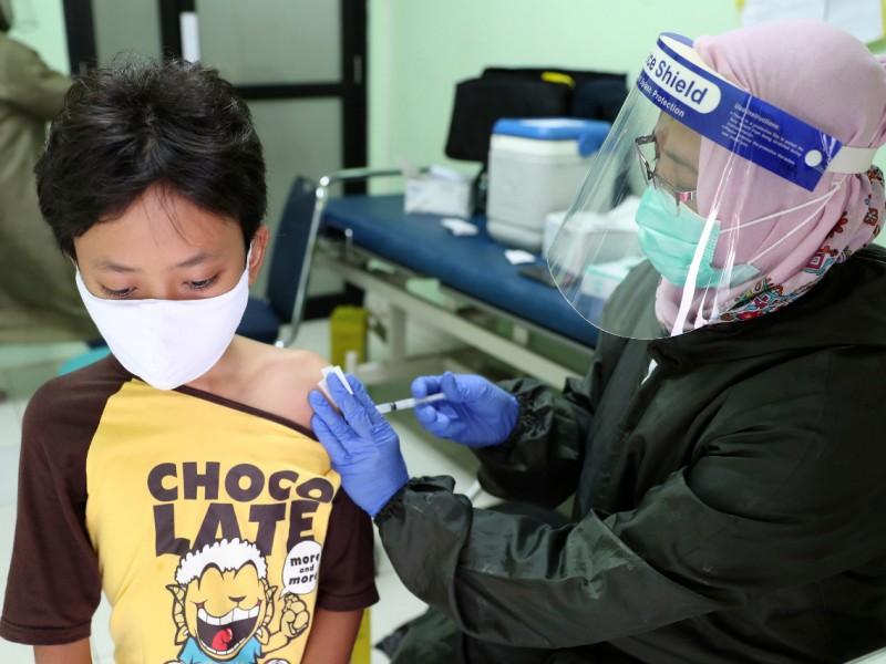 Buscarán vacunar a menores contra covid-19 en Querétaro