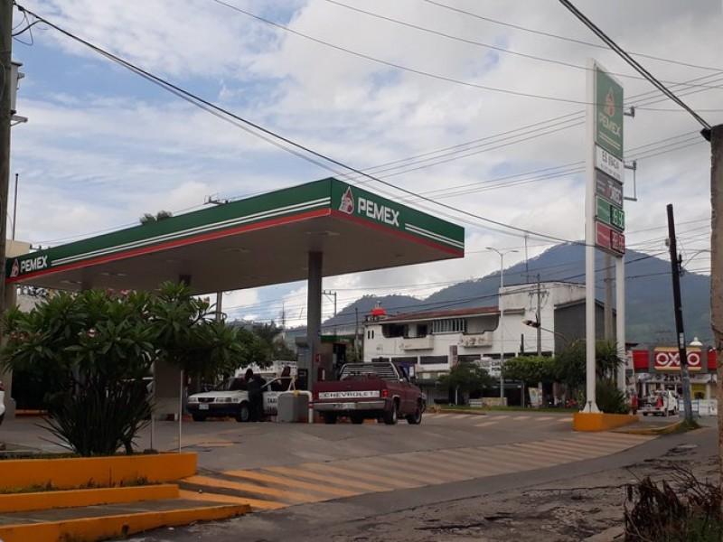 Cae 30% venta en gasolineras boulevard Tepic-Xalisco