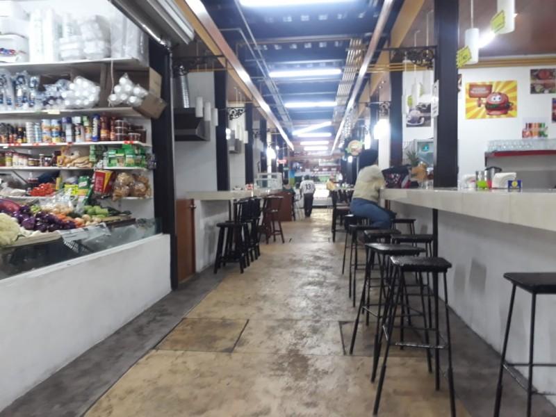 Cae 40% venta en Mercado Morelos por estacionamiento
