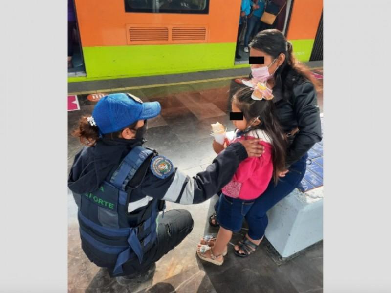 Cae niña de cuatro años a las vías del Metro