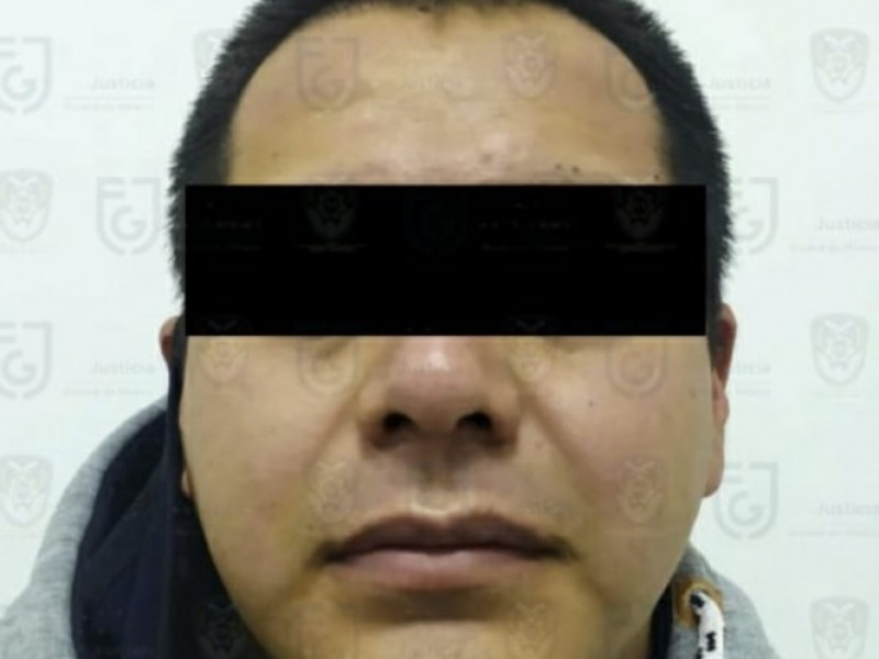 Cae policía acusado de abusar de menor en Edomex