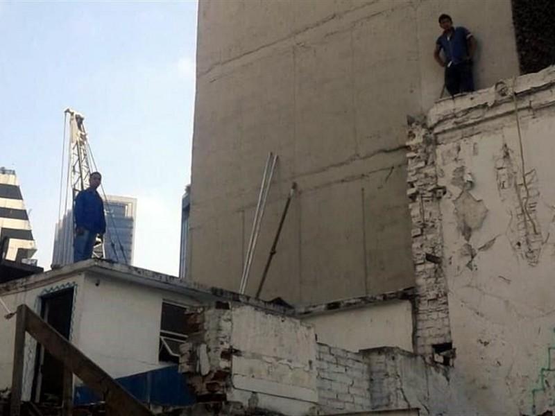Caen 4 por demolición ilegal en la Roma
