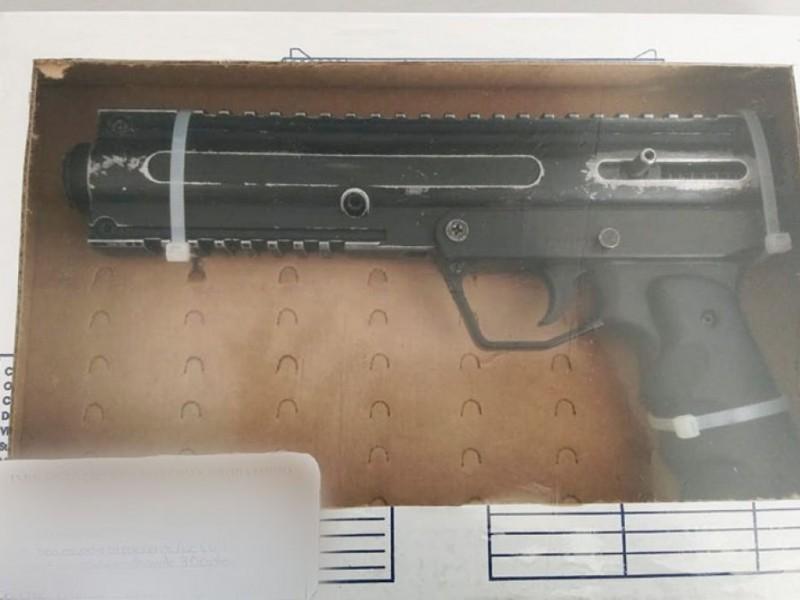 Caen 5 con arma de fuego, los detienen policías municipales