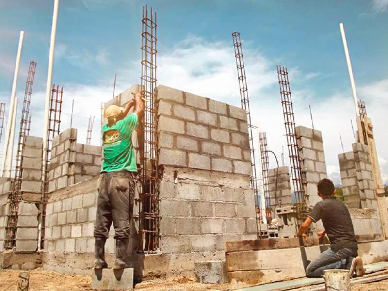 Caen empleos de la construcción en un 50%