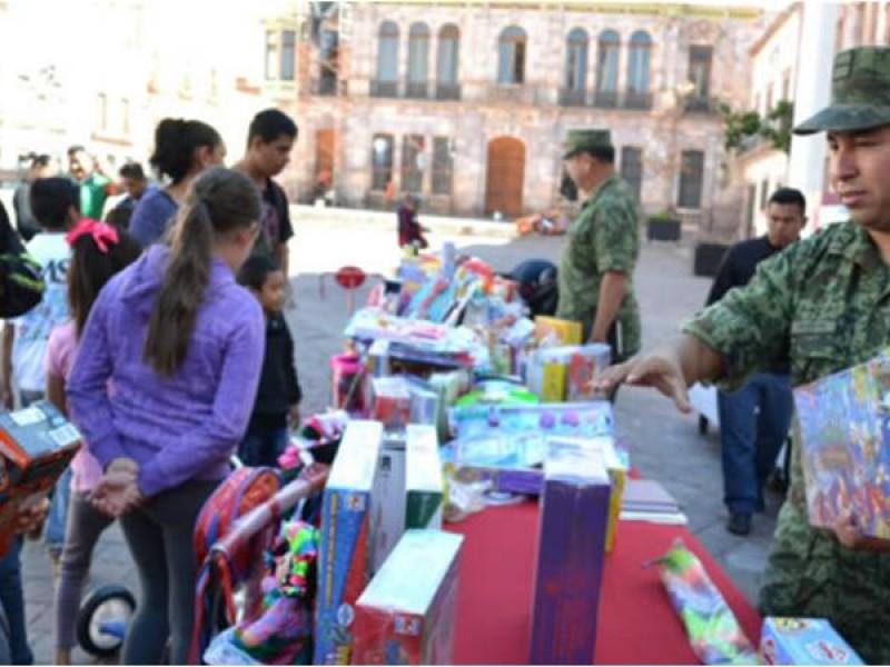 Cambió Ejercito 838 juguetes bélicos en Zacatecas