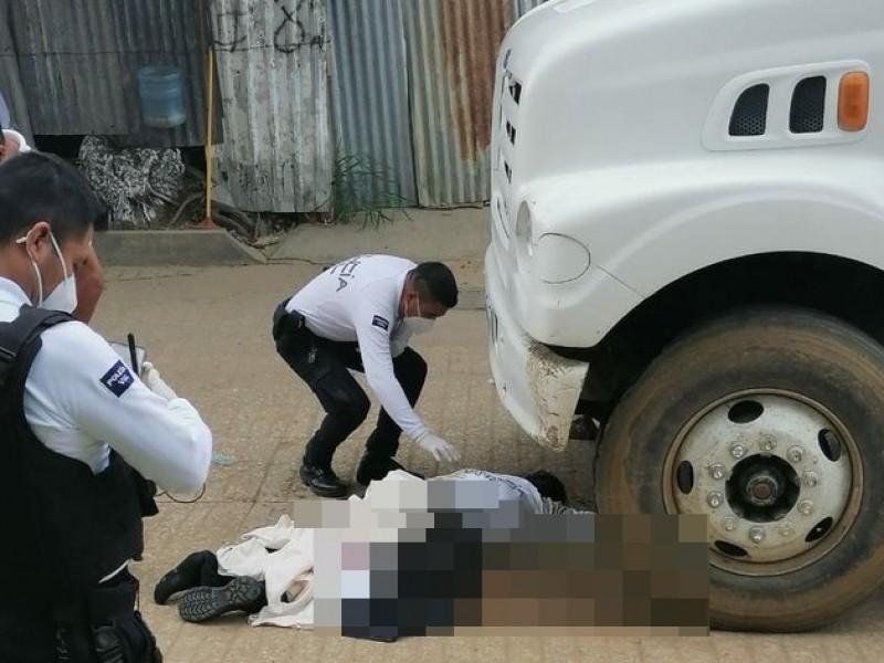 Camión atropella a elemento de la policía vial en Xoxocotlán