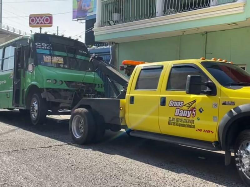 Camión termina con vida de mujer en Tlaquepaque
