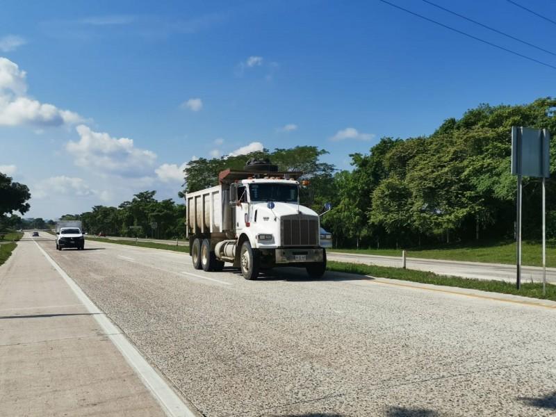 Camioneros toman medidas de seguridad para evitar asaltos