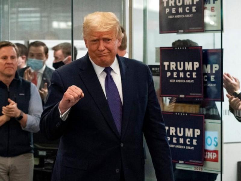 Campaña de Trump presenta demanda para detener recuento de votos