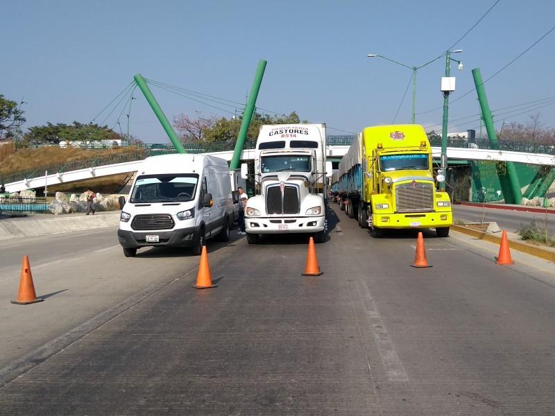 Campesinos bloquean carreteras en Chiapas