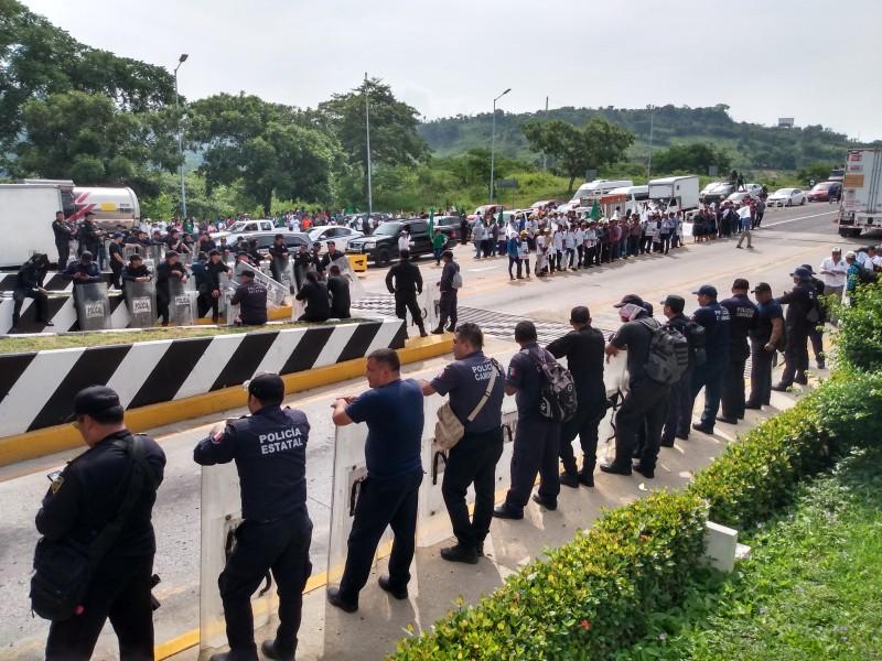 Caos por bloqueos en Chiapas